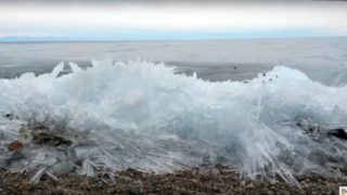 神秘的! 不思議な氷の波【動画あり】